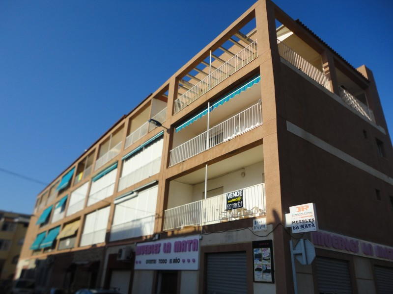 Resale - Apartament - Torrevieja - La Mata/PLAYA