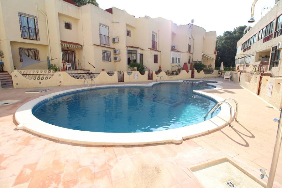 Resale - Bungalow - Guardamar - Urbanizaciones /PLAYA