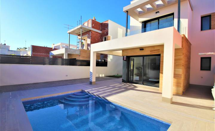Villa - New Build - Torrevieja - Habaneras/PLAYA
